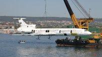 Потопиха самолета на бившия Първи