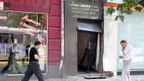 Взривове избухнаха пред централата на РЗС и офис на ДСБ