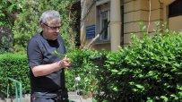 министър-владимир-пенев-подстригва-храстите-пред-кооперацията-си-6408.jpg