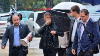 сидеров-пристигна-с-полицейска-палка-на-парламентарно-заседание-8160.jpg