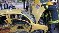 пътничка-в-такси-загина-при-тежка-катастрофа-в-хасково-14002.jpg