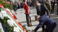 президентът-плевнелиев-откри-бюст-паметник-на-ген-владимир-стойчев-17541.jpg