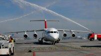 посрещнаха-първият-полет-swiss-air-тържествен-с-воден-салют-22430.jpg
