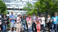 родители-протестират-пред-фонда-за-лечение-на-деца-в-чужбина-33005.jpg