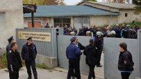 Стотици мигранти опитаха да напуснат приемателния център в Харманли