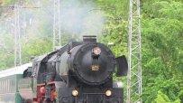 атракционен-влак-с-ретро-локомотив-пътува-в-празничните-дни-44628.jpg