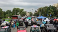 собственици-на-ретро-автомобили-се-събраха-в-центъра-на-софия-45385.jpg