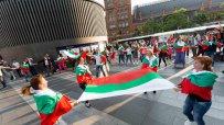 българи-играха-хоро-в-лондон-по-случай-24-май-45535.jpg