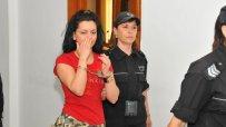 Млада българка обвинена за жестоко убийство на холандец