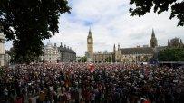 антиправителствен-протест-събра-хиляди-в-лондон-46544.jpg