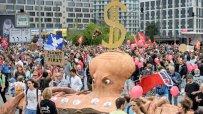 десетки-хиляди-се-събраха-в-хамбург-за-последния-протест-срещу-г-20-46909.jpg