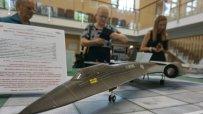 интересна-изложба-на-авиомодели-радва-варненци-47895.jpg