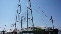 корабът-на-грийнпийс-вече-е-на-морска-гара-във-варна-47989.jpg
