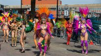 стотици-хиляди-се-стекоха-за-карнавала-в-лондонския-квартал-нотинг-хил-48519.jpg