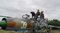 бургазлии-се-забавляват-в-музей-на-авиацията-49501.jpg