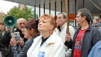 медици-протестираха-пред-пирогов-заради-уволнението-на-техни-колеги-49491.jpg