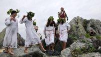 пресъздадоха-древен-ритуал-за-мачкане-на-грозде-49495.jpg