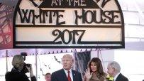 президентът-на-сащ-и-първата-дама-посрещнаха-призраци-и-таласъми-в-белия-дом-50534.jpg