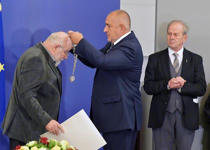 борисов-връчи-наградата-свети-паисий-хилендарски-на-владимир-зарев-50816.jpg