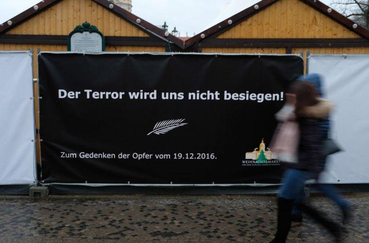 германия-почете-жертвите-на-атентата-на-коледния-базар-в-берлин-52352.jpg
