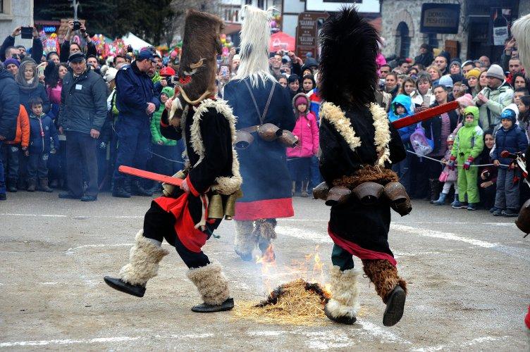 кукерски-фестивал-се-проведе-в-широка-лъка-54893.jpg