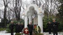 варненци-се-поклониха-пред-героите-загинали-за-освобождението-на-българия-54834.jpg
