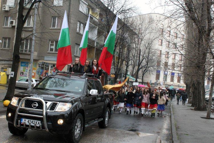 фестивалът-quot;хайдушка-софра-quot;-събра-над-1000-танцьори-в-хасково-55598.jpg