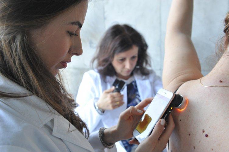 Прегледаха стотици пациенти безплатно във ВМА