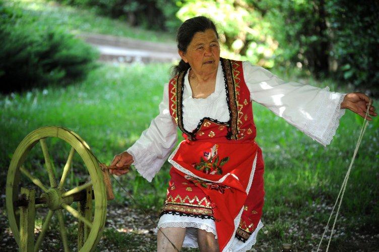 за-пета-година-чипровци-организира-quot;фестивал-на-чипровския-килим-quot;-57226.jpg