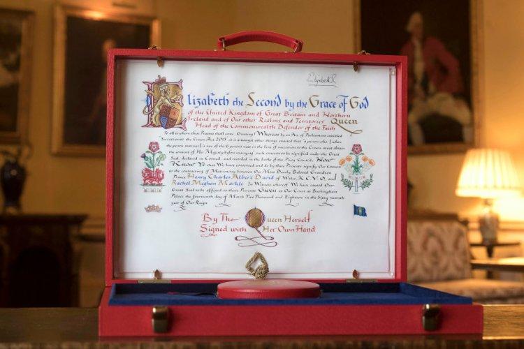 вижте-документа-с-който-кралицата-дава-съгласието-си-принц-хари-да-се-ожени-57572.jpg