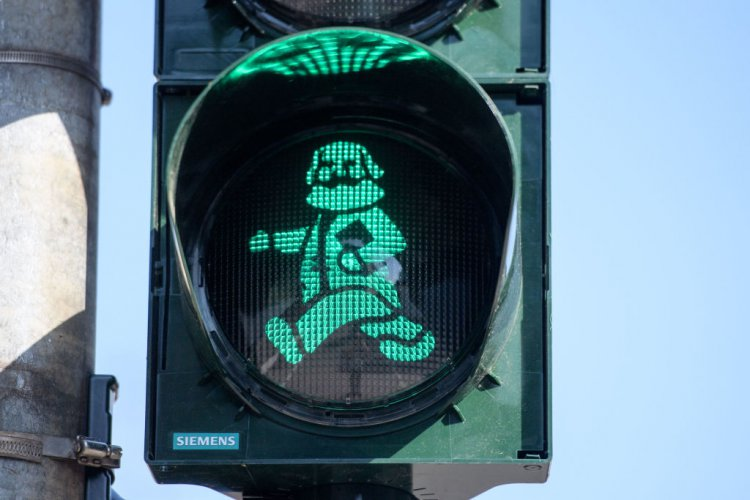 в-германски-град-инсталираха-карл-маркс-в-светофари-57370.jpg