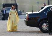 Мелания Тръмп – ослепителна в жълто на гала вечеря в двореца Бленъм