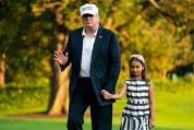 Доналд Тръмп сияе в компанията на внучката си