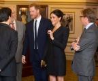 Меган Маркъл наруши кралския протокол с неприлично къса рокля