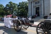Сенатор Джон Маккейн бе погребан във Военноморската академия в Анаполис, в щата Мериленд