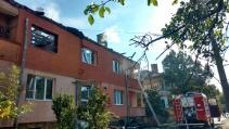 Пожар пламна в жилищен блок в Божурище