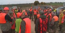 Акция на ловци за борба с чумата по свинете