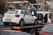 Паяк репатрира патрулна кола на охранители пред банковия клон в