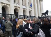 Юристи излязоха на простест пред Съдебната палата