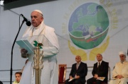 Силно послание за мир отправи папа Франциск в София