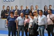 Симпатизанти на ГЕРБ пристигат за предизборно събитие в зала ''Арена Армеец''