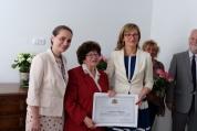 Екатерина Захариева награди доайена на българското землячество в Словакия