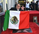 Кинорежисьор Гийермо дел Торо изгря на Алеята на славата в Холивуд
