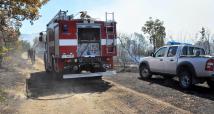 Треви и ниска растителност пламнаха край хасковското село Брягово