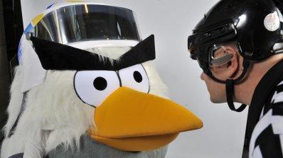 AngryBirds покори хокея