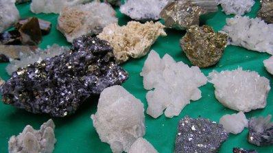 Скъпоценни камъни в изложба