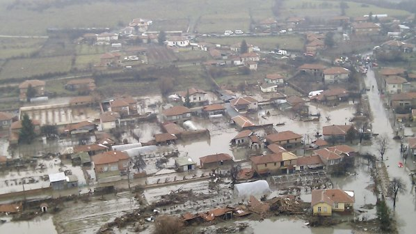 1 416 440 българи живеят в зони с риск от потоп