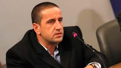 Харизанов уволнен заради голи снимки