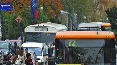 Медийна група иска само четири радиа да се слушат в градския транспорт в София