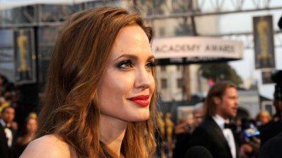 Анджелина Джоли направи щедро дарение за сирийските бежанци